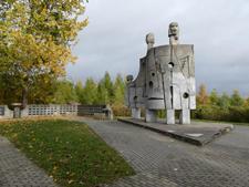 Ilustracja do informacji: Prace konserwatorskie pomnika w Nawrze