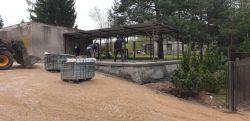 Miniatura zdjęcia: Podjazd i plac manewrowy w szkole w Bratinie