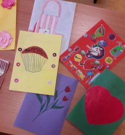 Miniatura zdjęcia: Serdeczna Karteczka - kartki wykonane przez uczniów